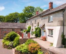 Snaptrip - Last minute cottages - Wonderful Roadford Lake Cottage S34286 -