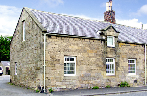 Snaptrip - Last minute cottages - Inviting Alnwick Forge S3240 -