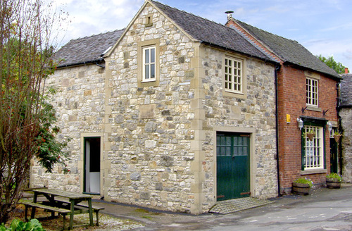 Snaptrip - Last minute cottages - Excellent Ashbourne Roost S3251 -