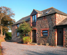 Snaptrip - Last minute cottages - Stunning Chilsworthy Apartment S34461 -