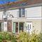 Snaptrip - Last minute cottages - Splendid Yarmouth Cottage S124822 -