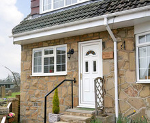 Snaptrip - Last minute cottages - Charming Ilkley View S3280 -