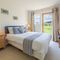 Snaptrip - Last minute cottages - Exquisite Yarmouth Cottage S124862 -