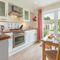 Snaptrip - Last minute cottages - Quaint Yarmouth Cottage S124864 -