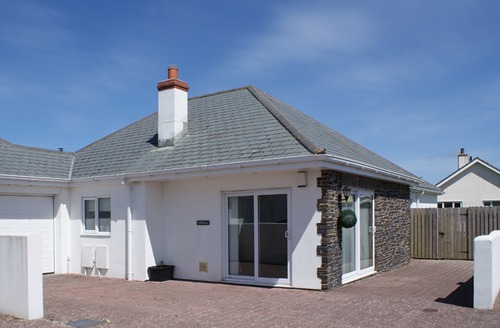 Snaptrip - Last minute cottages - Excellent St Merryn Cottage S34518 -