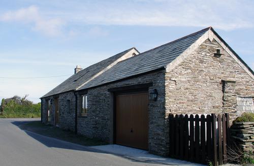 Snaptrip - Last minute cottages - Tasteful Tintagel Cottage S34521 -