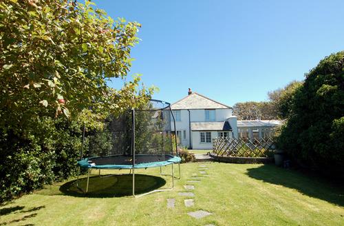 Snaptrip - Last minute cottages - Gorgeous Bossiney Cottage S34549 -