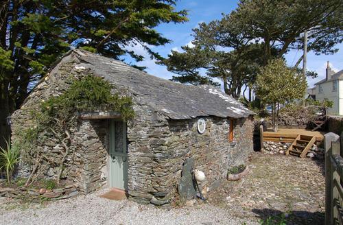 Snaptrip - Last minute cottages - Wonderful Bossiney Cottage S34552 -