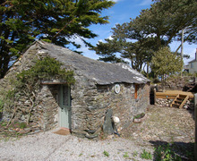 Snaptrip - Last minute cottages - Wonderful Bossiney Cottage S34552 -