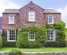 Snaptrip - Last minute cottages - Excellent York House S3295 -