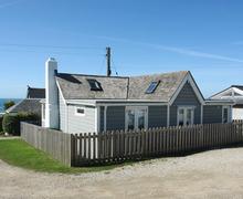 Snaptrip - Last minute cottages - Wonderful Gwithian Towans Cottage S34563 -