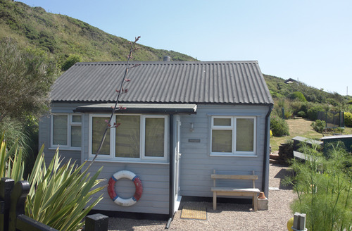 Snaptrip - Last minute cottages - Excellent Whitsand Bay Cottage S34639 -