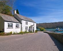 Snaptrip - Last minute cottages - Excellent Feock Lodge S34653 -