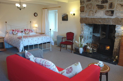 Snaptrip - Last minute cottages - Excellent St Ives Apartment S34732 -