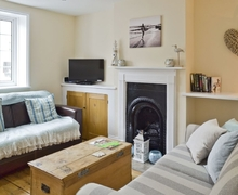 Snaptrip - Last minute cottages - Charming Ventnor Cottage S34741 -