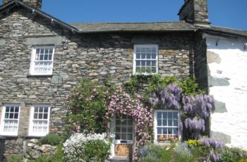 Snaptrip - Last minute cottages - Wonderful Ambleside Cottage S282 -