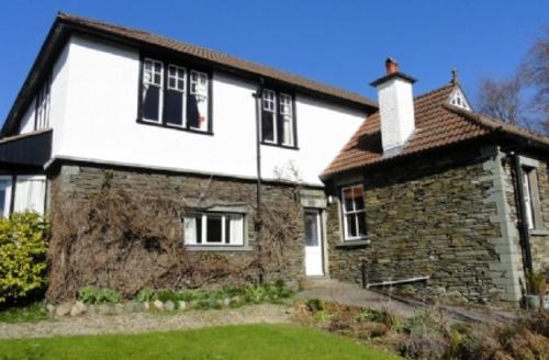 Snaptrip - Last minute cottages - Quaint Windermere Cottage S420 -