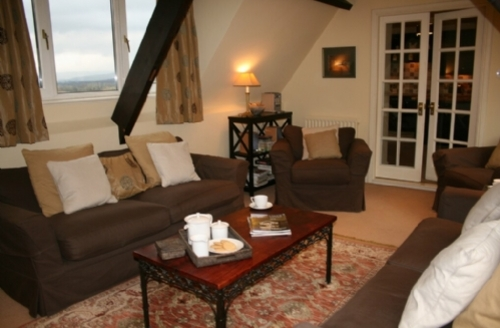 Snaptrip - Last minute cottages - Stunning Carlisle Wing S494 -