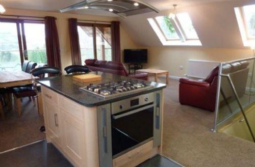 Snaptrip - Last minute cottages - Exquisite Penrith Lodge S327 -