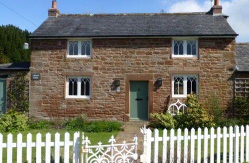 Snaptrip - Last minute cottages - Captivating Brampton Cottage S373 -