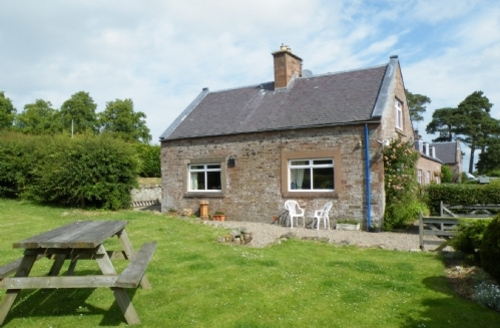 Snaptrip - Last minute cottages - Wonderful Jedburgh Cottage S523 -
