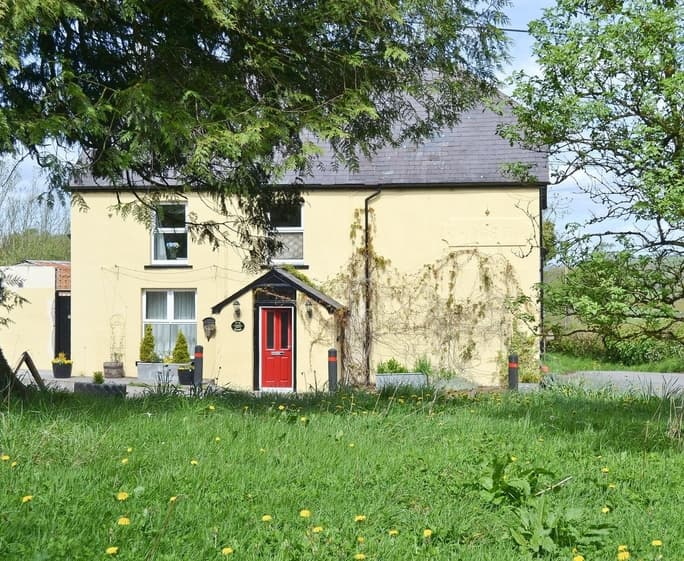 CROSS COTTAGE Exterior | Red Kite - Cross Cottage, Llanddeusant, nr. Llangadog