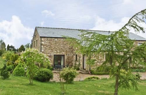 Snaptrip - Last minute cottages - Stunning Clitheroe View S3469 -