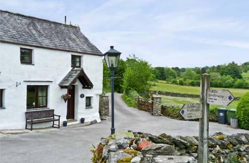 Snaptrip - Last minute cottages - Inviting Kendal Cottage S3492 -