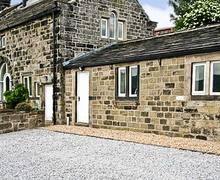Snaptrip - Last minute cottages - Captivating Todmorden Farm S3499 -