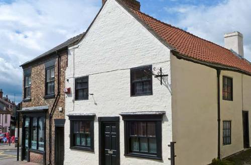 Snaptrip - Last minute cottages - Wonderful Ripon Mews S3534 -