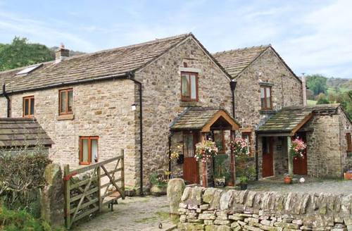 Snaptrip - Last minute cottages - Superb Macclesfield Cottage S3571 -