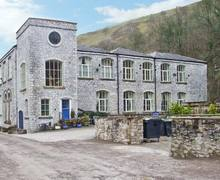 Snaptrip - Last minute cottages - Delightful Buxton Building S3572 -