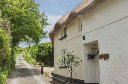 Snaptrip - Last minute cottages - Stunning North Tawton Cottage S37102 -