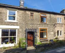 Snaptrip - Last minute cottages - Stunning Hayfield Cottage S37138 -