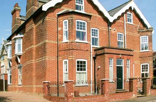 Snaptrip - Last minute cottages - Tasteful Mundesley Cottage S37216 -