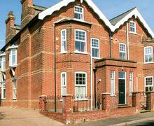 Snaptrip - Last minute cottages - Tasteful Mundesley Cottage S37216 -