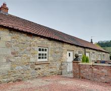 Snaptrip - Last minute cottages - Excellent Cropton Cottage S37260 - Exterior