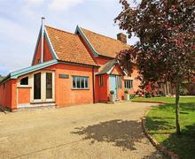Snaptrip - Last minute cottages - Adorable Framlingham Cottage S37318 - Exterior - View 1