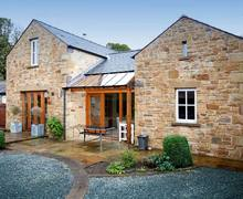 Snaptrip - Last minute cottages - Delightful Carnforth Paddock S3686 -