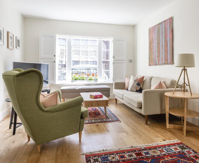 Regents Park Apartment