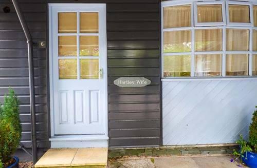 Snaptrip - Last minute cottages - Splendid Windermere Lodge S37491 -