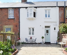 Snaptrip - Holiday cottages - Beautiful Bognor Regis Cottage S37528 -
