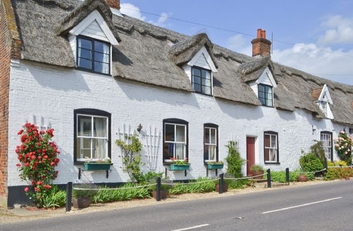Snaptrip - Last minute cottages - Tasteful Horning Cottage S37537 -