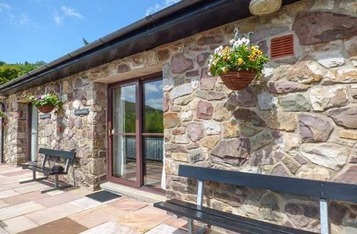 Snaptrip - Last minute cottages - Superb Swansea Cottage S37599 -