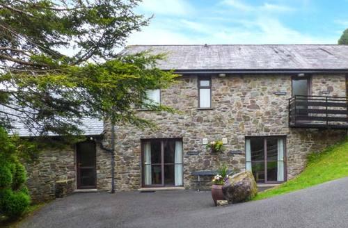 Snaptrip - Last minute cottages - Tasteful Swansea Cottage S37609 -