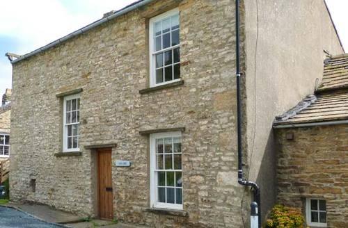 Snaptrip - Last minute cottages - Delightful Gunnerside Cottage S37704 -