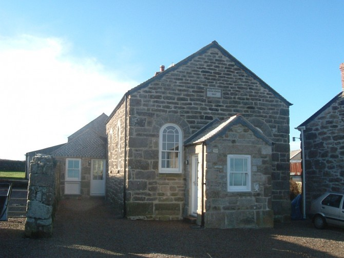 Merthyr Farm Cottages 3 Bed School