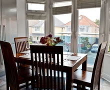 Snaptrip - Last minute cottages - Cosy Bournemouth Apartment S37799 -