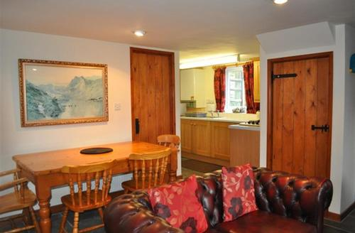 Snaptrip - Last minute cottages - Attractive Rhayader Cottage S37819 - Dinind and Kitchen Areas