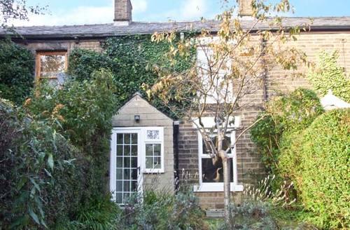 Snaptrip - Last minute cottages - Exquisite High Peak Cottage S3735 -